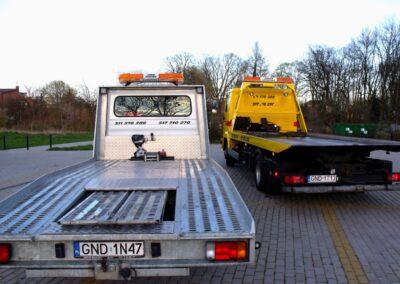 Pojazdy holownicze, lawety do pomocy drogowej